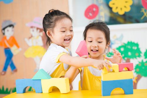 Tình yêu thương và sự ảnh hưởng tới phát triển trí não ở con trẻ