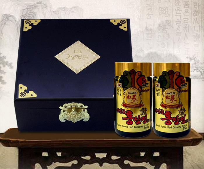 Cao Hồng Sâm Hàn Quốc 6 Năm Tuổi Hộp Gỗ Đen 4 Lọ - 250g