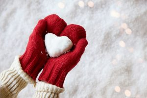 Vì Sao Tay Chân Lạnh Vào Mùa Đông – Cách Điều Hòa Làm Ấm Cơ Thể