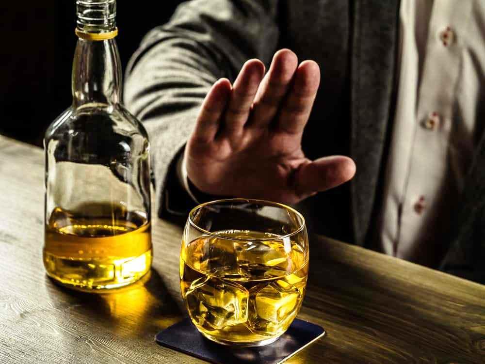 Xơ gan do rượu - chuyện không chỉ riêng ai